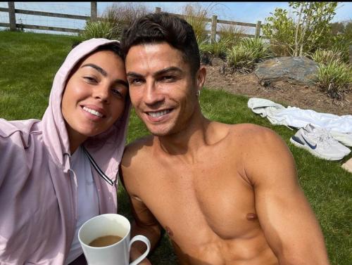 Georgina Rodriguez dan Cristiano Ronaldo (Foto: Instagram/@georginagio)