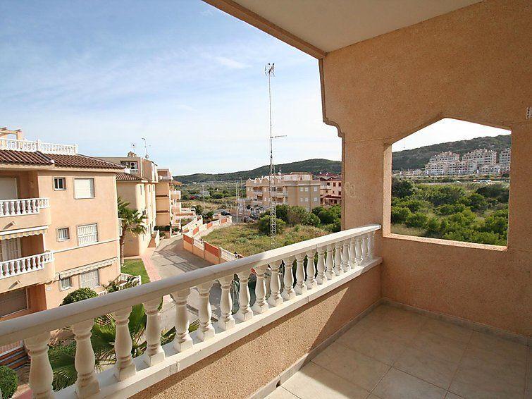 The penthouse has air conditioning hot /cold the penthouse has 2. Apartamentos en Guardamar del Segura desde 33€ - Hundredrooms