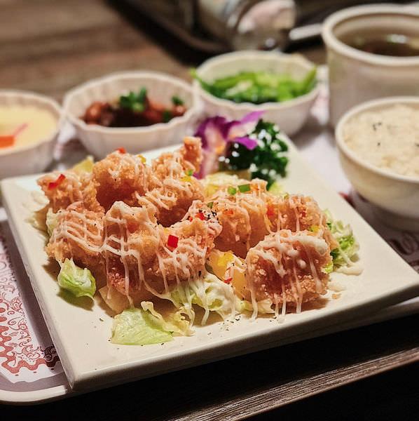 (台南美食/北區)悠然居生活茶飲~提供火鍋、簡餐各式料理~朋友聚餐好地方!