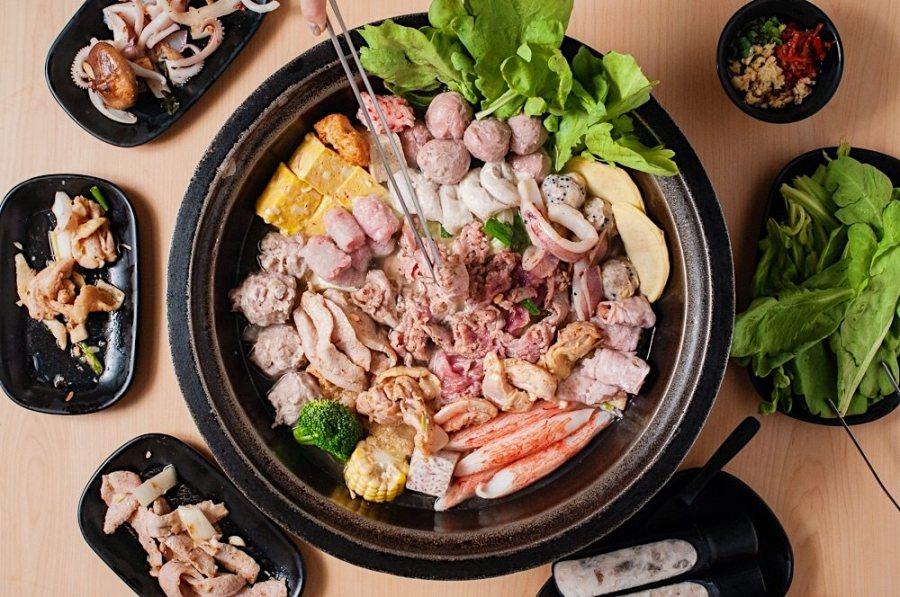 (台南美食/中西區)錦城石頭火鍋~爆香快炒+獨特湯頭,噴香的古早味石頭火鍋讓人一吃就上癮!