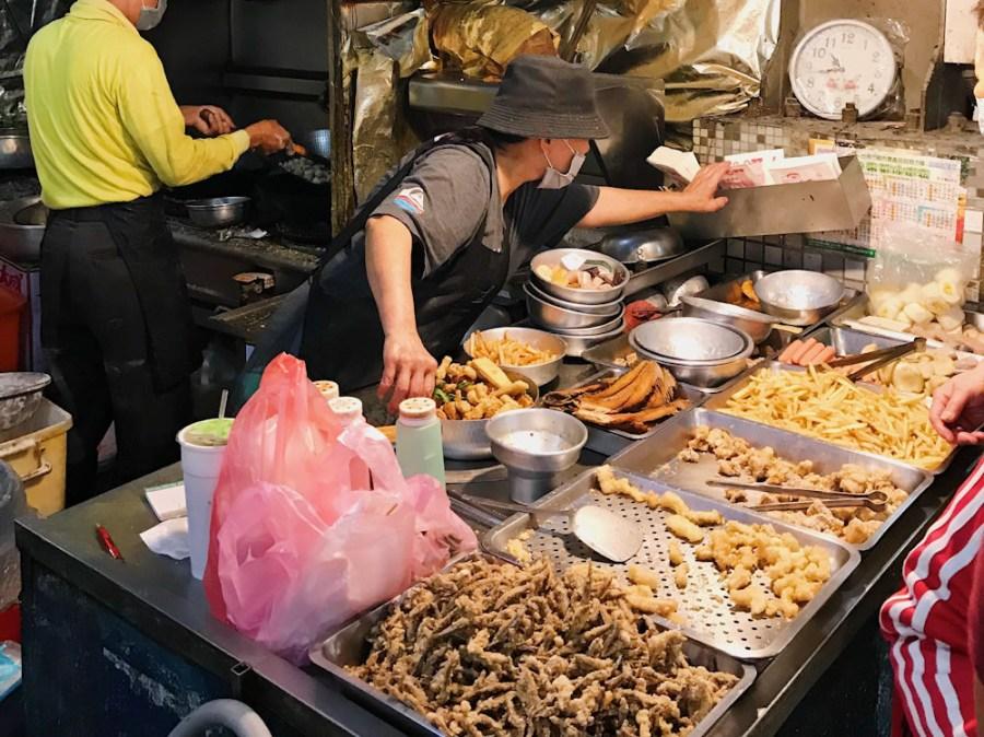 (台南美食/安南區)台南果菜批發市場內的隱藏版鹽酥雞,份量超多超便宜 !