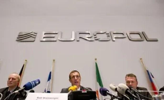 Plusieurs personnes ont été arrêtées en France, soupçonnés de vendre de faux certification de tests.