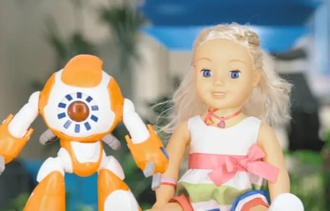 Alors qu'ils s'apprêtent à se faire une place de choix sous le sapin, certains jouets connectés sont dans le collimateur d'associations de défense de consommateurs et de protection de l'enfance. - Capture d'écran / YouTube