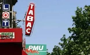 les enseignes d un bureau de tabac a paris le 10 mars 2008