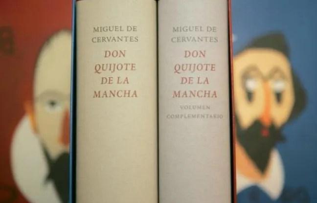 """Exemplaire de """"Don Quichotte"""", de Miguel de Cervantès, exposé dans une librairie de Madrid le 18 octobre 2004, dans une nouvelle édition publiée lors du 400e anniversaire de la parution du roman"""
