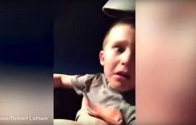 Le père de famille a rattrapé son fils in extremis dans ces montagnes russes.