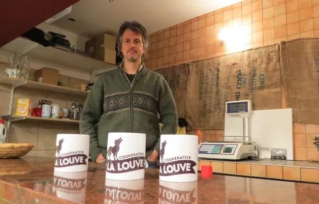 Tom Boothe, AmÈricain installÈ ‡ Paris depuis 2002, est prÈsident des Amis de La Louve, association qui projette de lancer un supermarchÈ coopÈratif dans le 18e arrondissement de Paris.