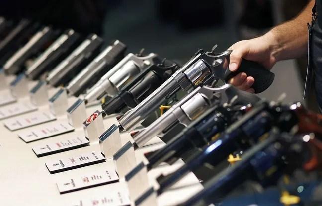 Des armes à feu exposées à un salon de Las Vegas.