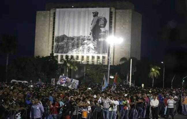 https://i1.wp.com/img.20mn.fr/wamwikFNSDiJYfOPSN-dKw/648x415_centaines-milliers-personnes-rassemblees-cuba-place-revolution-havane-dernier-hommage-fidel-castro.jpg