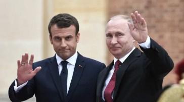 Emmanuel Macron veut «définir de claires lignes rouges avec la Russie» et est prêt à «sanctionner»