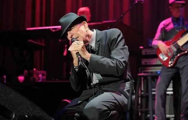 Le chanteur et poète Leonard Cohen, en concert à Bercy à Paris, en 2013.