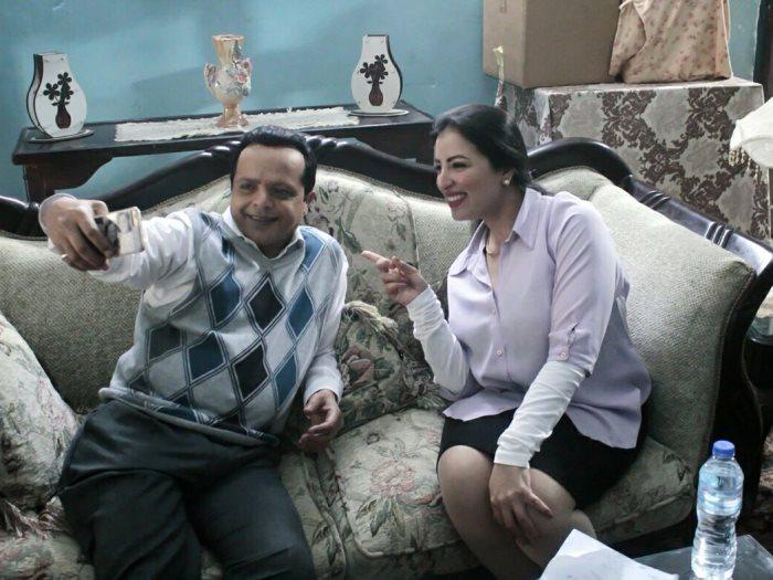 نهى صالح خادمة فى أرض النفاق وتفاصيل علاقتها بـ محمد هنيدى عين