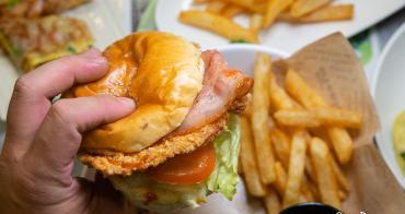 【台南美食】台南宵夜來囉~生意超好的人潮滿滿的曜陽營養三明治早餐店,現在也開宵夜時段了!!