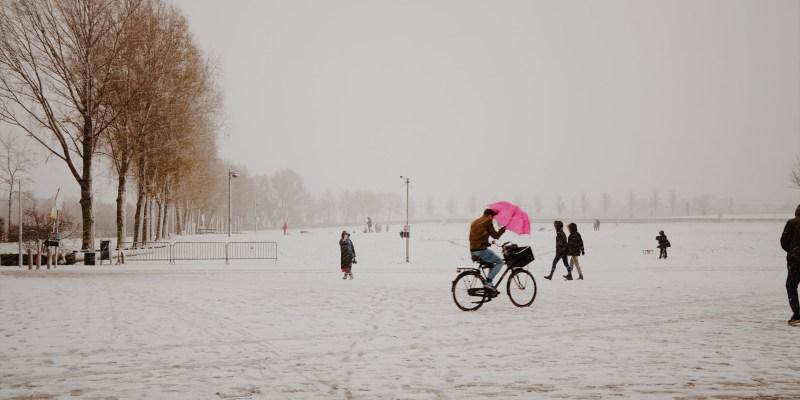 歐洲十日遊日記 Day4,大雪紛飛日,SEAFOOD BAR與冰窖喝酒體驗、安妮之家