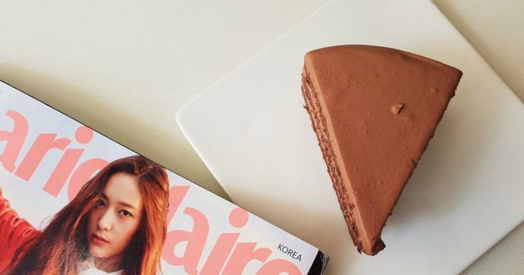 首爾美食|弘大下午茶,質感店面、高級口感的17度C巧克力濕潤蛋糕