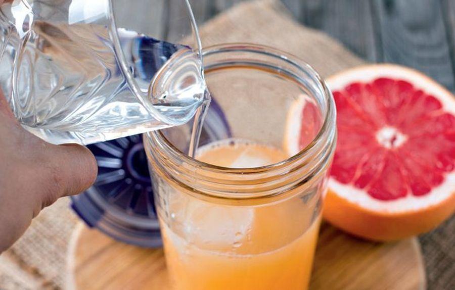 фото яблочный сок на выходе из голода этом