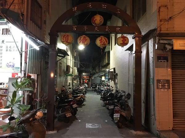 [台南中西區] 護境松王陽春麵 – 隱身在廟前的無名麵攤