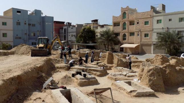 رئيس البعثة الأثرية الفرنسية يؤكد أهمية موقع أبو صيبع في فهم تاريخ حضارة تايلوس في البحرين