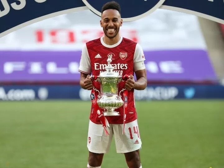 OFFICIAL: Aubameyang signs a new 3-year deal with Arsenal 3