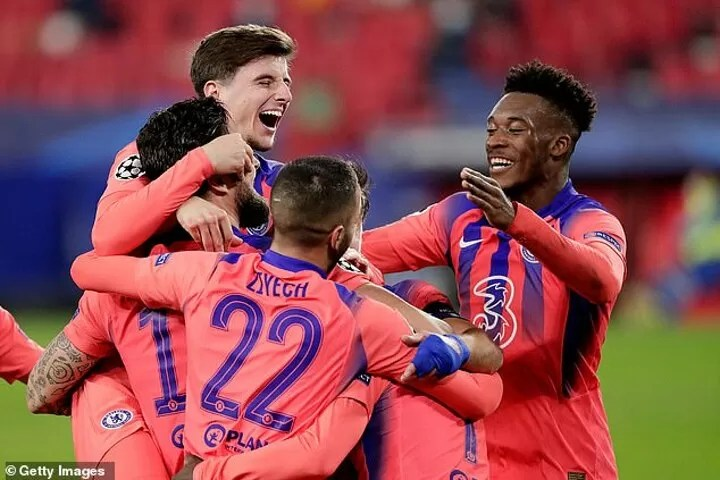 Chelsea 'will IGNORE Bayern offers for Hudson-Odoi next month' 5