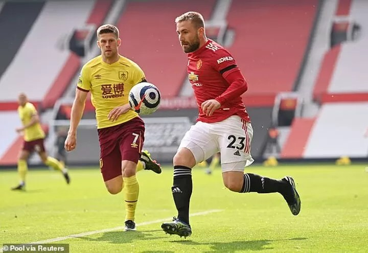 Luke Shaw to be 'offered new Manchester United contract worth £190,000-a-week' 2