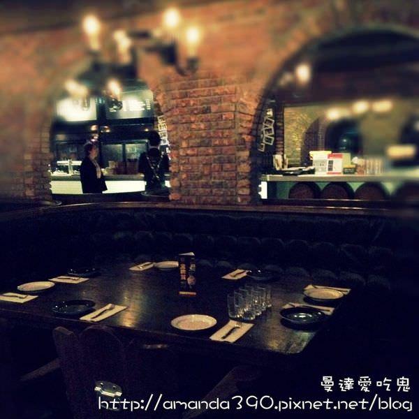 【台北美食】金色三麥(誠品酒窖店)。好食、好酒、好音樂。啤酒|德國豬腳|信義誠品