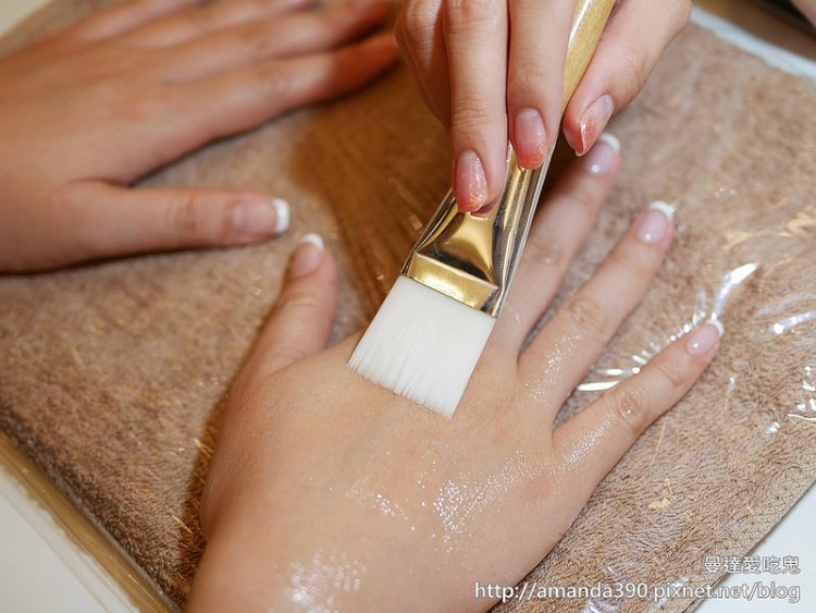 【台南美甲】彼堤瑞兒精緻美甲 Beauty Realm。入冬手部保養。輕甜少女風法式凝膠指甲