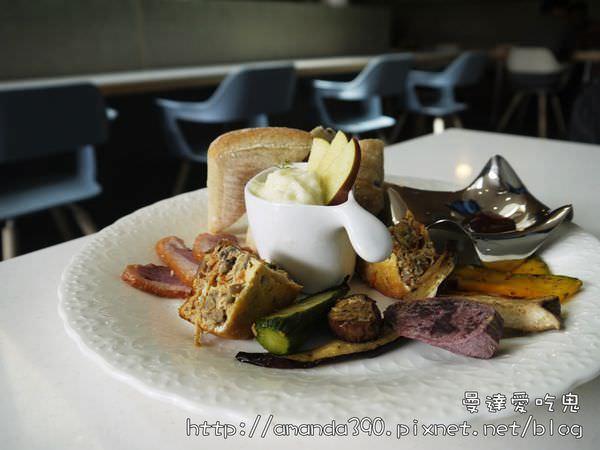 【台南食記】東區 L'esprit Cafe ● 無閒勿擾,就愛當個「咖啡人」! ❤❤ (201702更新地址)