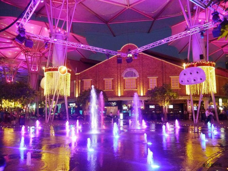 Clarke Quay 克拉碼頭。喝酒賞景遊船河,越夜越美麗。District 10 Bar & Restaurant。新加坡美食 新加坡景點
