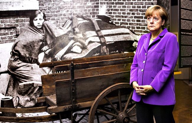ΕΙΚΟΝΑ-Μέρκελ-Γερμανία-Λιτότητα-πόλεμος