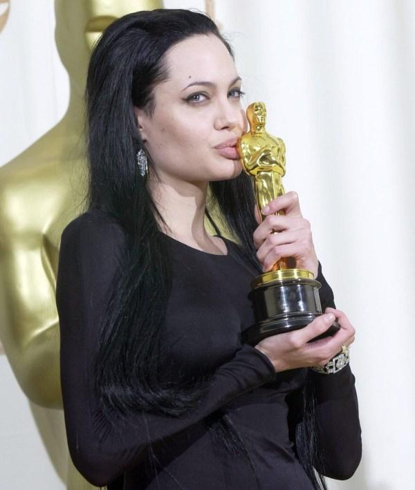 Анджелина Джоли: фильмы, роман с Брэдом Питтом, инстаграм ...
