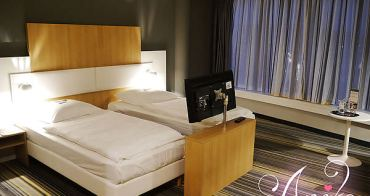 【2013❤德國】開朗少女12天的進擊冒險。簡約摩登的烏茲堡飯店。GHOTEL