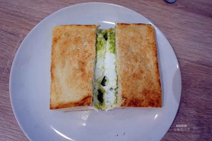 a85d82e28c530087eebceca8e772dcb2 - [中和早餐]  FOOD LIFE福來早餐  原本是為了肉蛋吐司而來 最後愛上起士煉乳炸饅頭 鄰近中和環球百貨