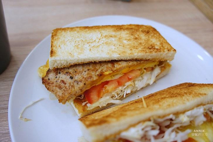 dc43326b46c35fd34b984229c5779594 - [中和早餐]  FOOD LIFE福來早餐  原本是為了肉蛋吐司而來 最後愛上起士煉乳炸饅頭 鄰近中和環球百貨