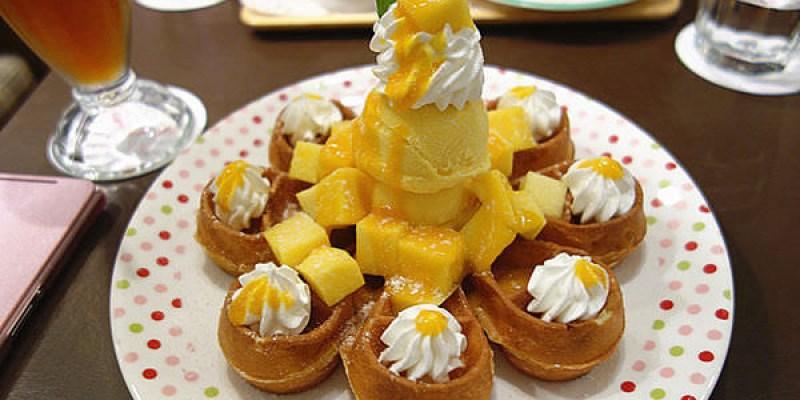 【台中】Hana CAFE(台中店);台北的人氣下午茶來台中了!超可愛的花朵鬆餅,心都跟著開花了!