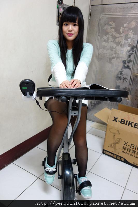 【健身器材】晨昌健康科技- X-BIKE 19808 磁控健身車(書桌車);現在人吃的豐盛之餘也要適當運動喔!靜音不吵離居+超好踩踏的磁控健身腳踏車。