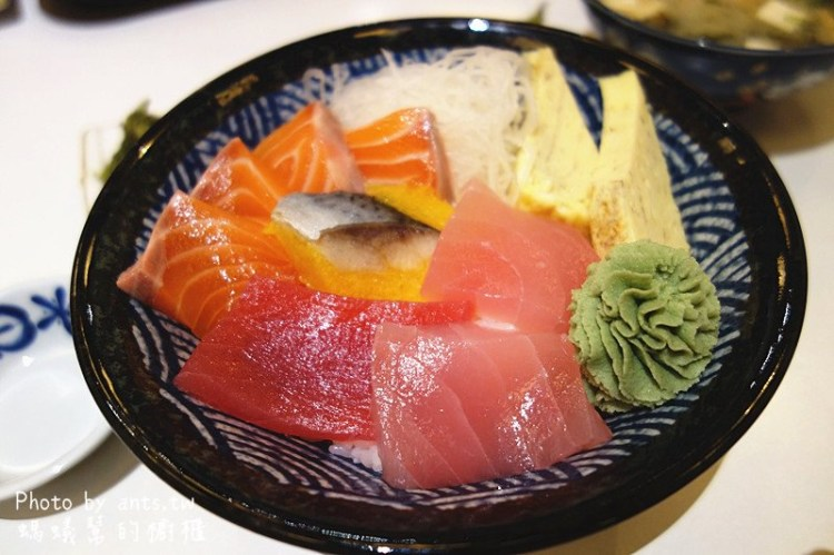 員林樽澤日式料理 | 員林日式定食黑馬,便宜美味大碗,CP值超高!生魚片丼跟熟食丼各有擁護者。