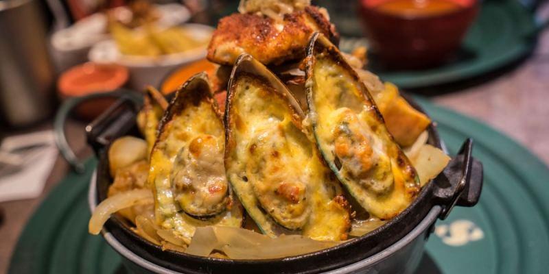 台中Cookbeef酷必五星級牛排飯(歇業) | 火山造型牛排飯,肉肉主義者至上!舒肥牛排搭上半生熟溫泉蛋,西方與東方美食結合!