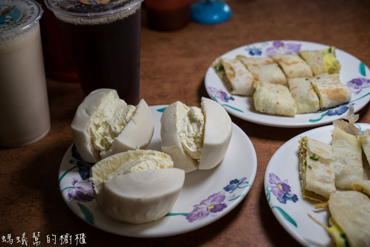 員林早餐店老二早點   獨家手工爆漿鮮奶小饅頭,自家製酥脆蛋餅皮,員林早餐店推薦。
