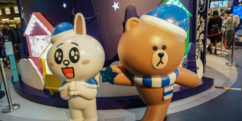 香港旺角朗豪坊 | 期間限定LINE FRIENDS CHRISTMAS PLANET,一起跟熊大兔兔合照留影。