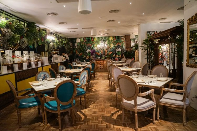 Woo Taiwan 員林店 | 員林泰國餐廳,來自清邁的異國風情,在叢林植物裡享受浪漫用餐氛圍。