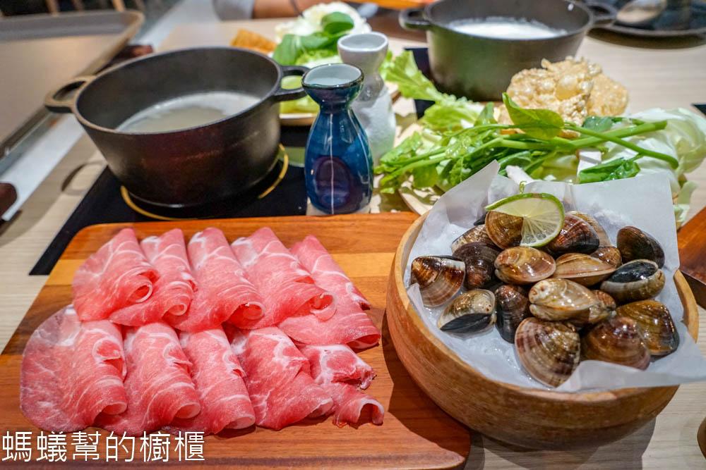 日常與菜 | 彰化員林鍋物,蔬菜無限夾取,希拉新品牌火鍋,素食者也能嚐試。
