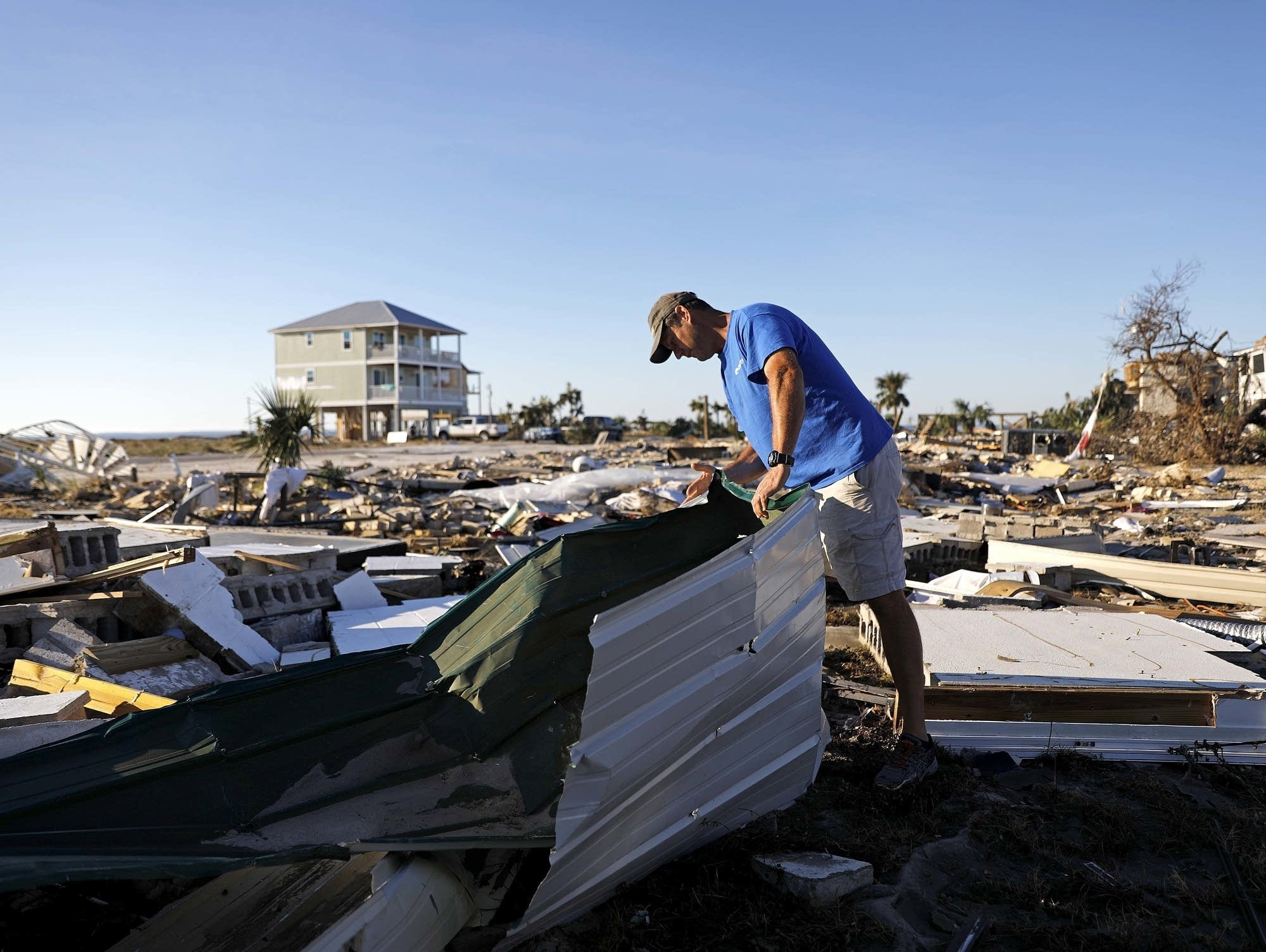 Searches intensify after body is found in Hurricane Michael s wake     Hurricane Michael damage