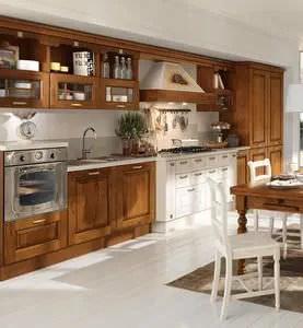 Il materiale maggiormente impiegato per la ristrutturazione della cucina shabby chic è sicuramente il legno che, a differenza del country. Traditional Kitchen Agnese Cucine Lube Solid Wood With Handles