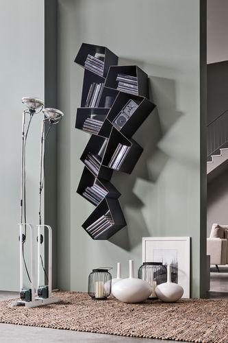 Complementi d'arredo interno ed esterno ed oggetti funzionali, ideati dal giovane. Wall Mounted Bookcase W Su Line Ronda Design Original Design Lacquered Metal Pink