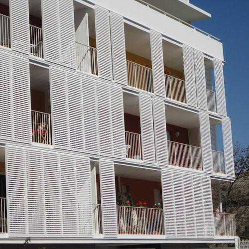 aluminum solar shading / wooden / for shelters / horizontal