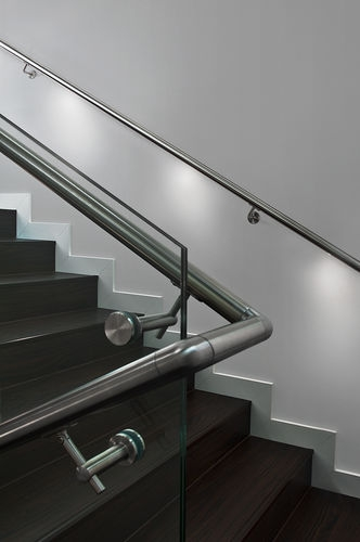 Metal Railing Q Lights Q Railing Europe Holding Gmbh With   Lighted Handrails For Stairs   Wood Hand Rail Design   Antique   Brushed Nickel   Modern   Acrylic