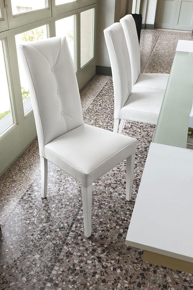 chaise contemporaine tapissee en bois laque
