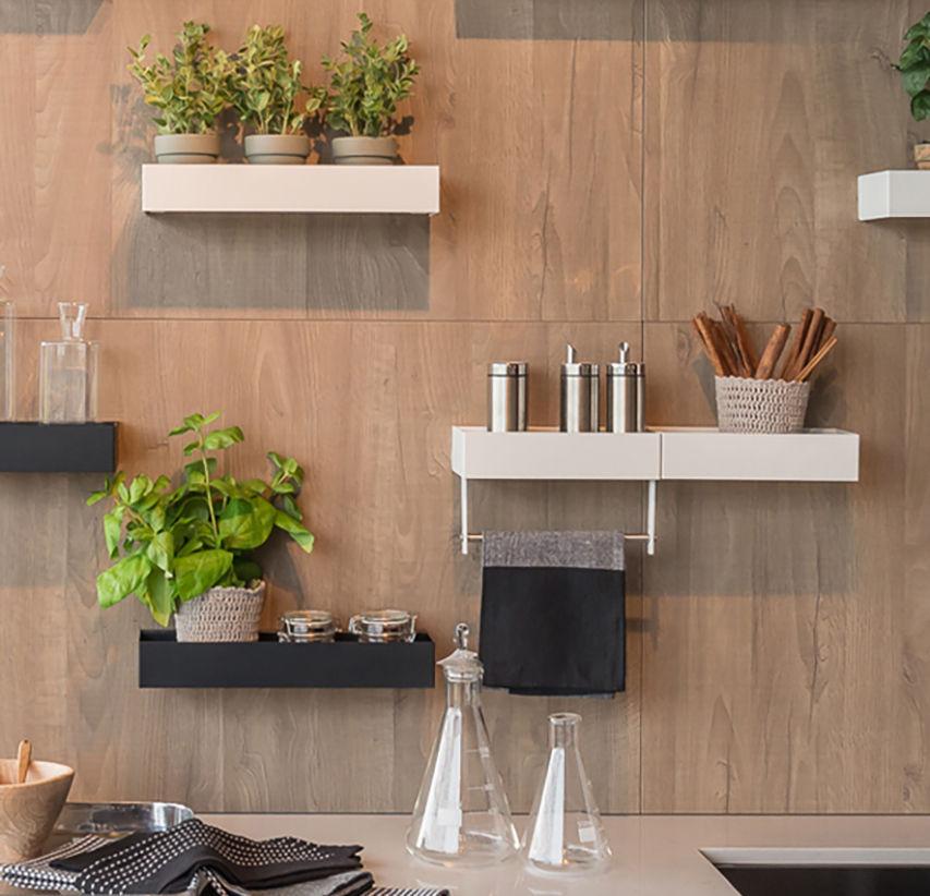 Disponibile con diversi allestimenti interni e con le mensole. Mensola Easy Zecchinon Moderno In Metallo Per Cucina