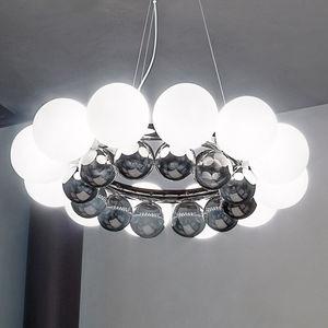 Ha una base di acciaio e scendono delle sfere di vetro soffiato. Lampadario In Vetro Soffiato Tutti I Produttori Del Design E Dell Architettura Video